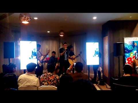 """""""Tiada Kata Berpisah"""" Live at 101 Cafe"""