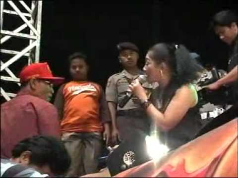 Watu cilik * ratna * MONATA pesta laut Bendar 2011