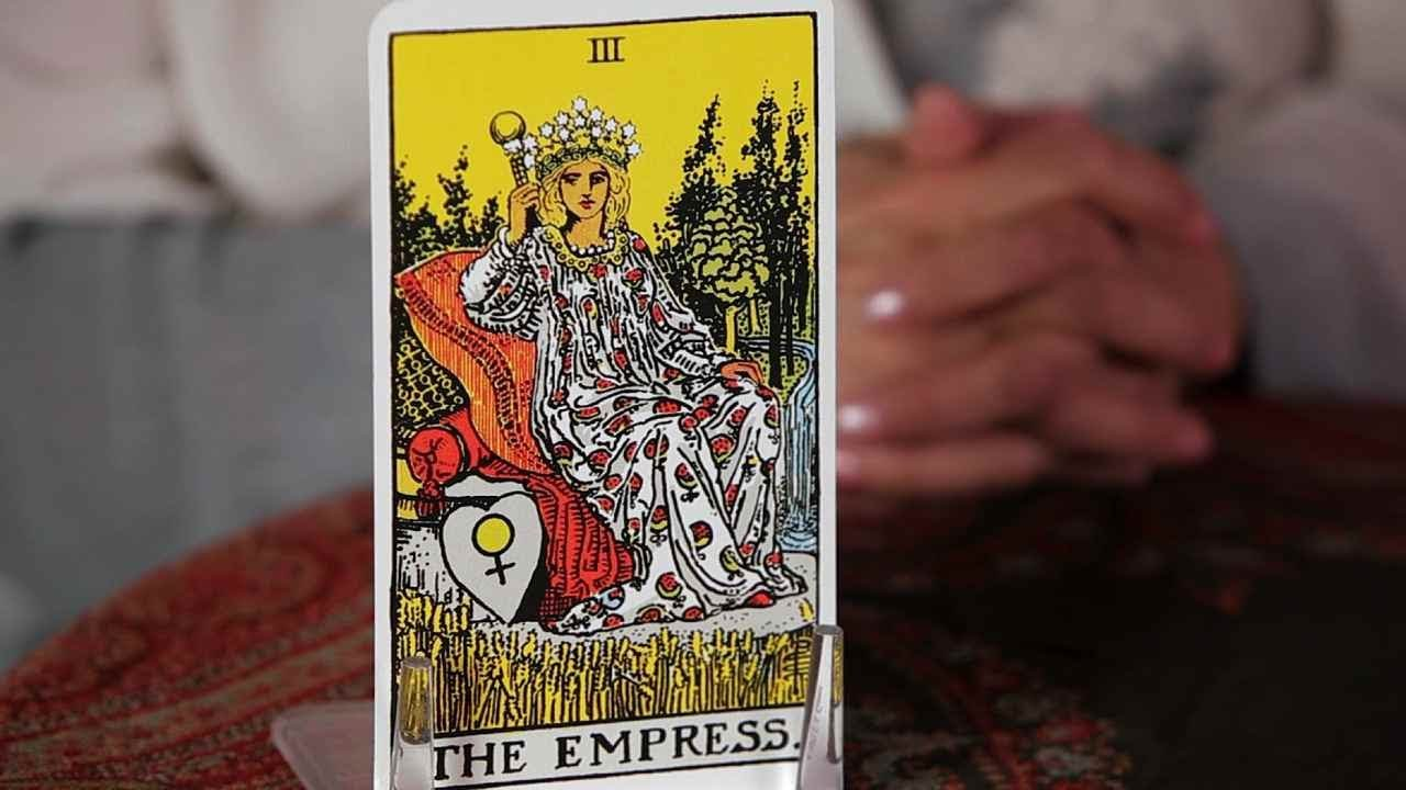 How to Read the Empress Card | Tarot Cards