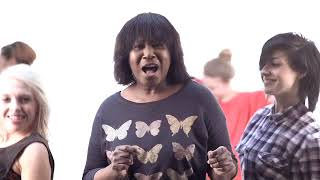 Watch Joan Armatrading Starlight video