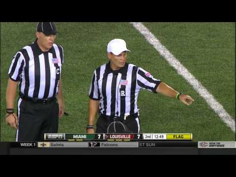 How Miami plays a 4th and inches on Defense