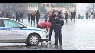 ЖЕСТОКИЙ ПРАНК НАД ПОЛИЦИЕЙ Реакция на молодых беспредельщиков