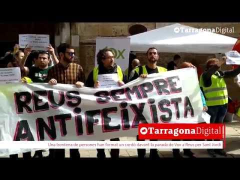 Concentració contra la parada de Vox per Sant Jordi a Reus
