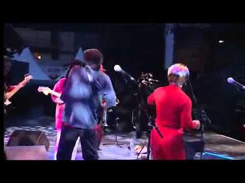 Boney FIELDS & the Bone's Project Live at Jazz à Vienne