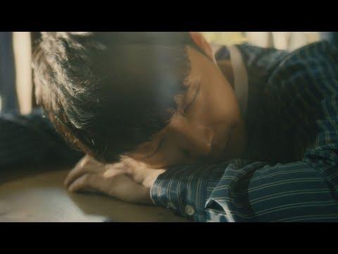 星野源、本を片手にうたたね 『サッポロ 麦のくつろぎ』新CM「ノンアルを変える篇」&メイキング映像