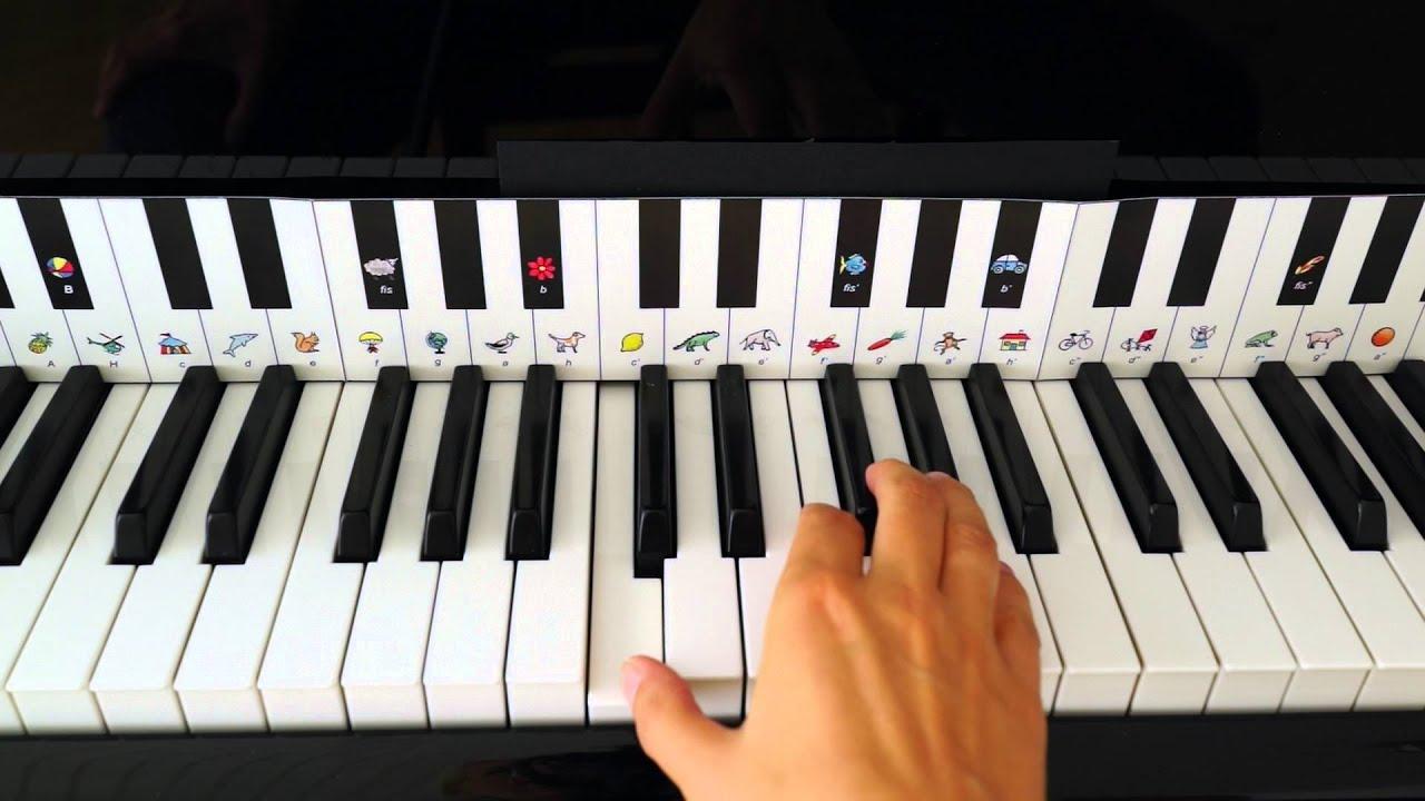 Lær at spille klaver: Et barn er født i Betlehem