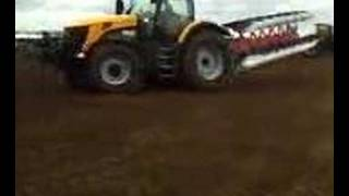 New JCB 7000 Series At Work @ Cereals 2008 on one of its fir
