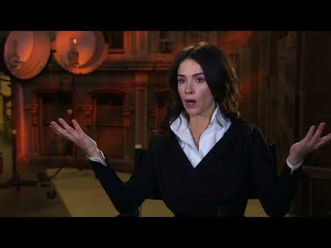 Timeless - Season 2 Premiere || Abigail Spencer Soundbites || SocialNews.XYZ