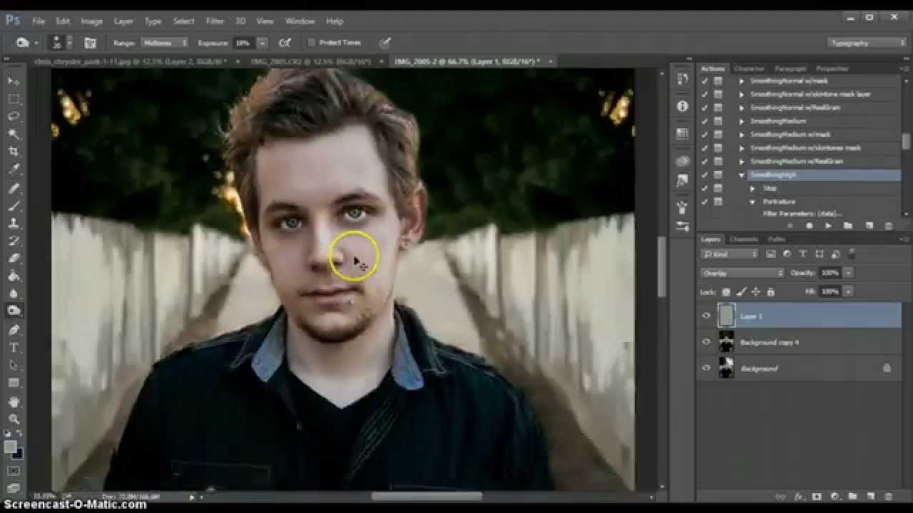 How to mirror a background in photoshop - YouTube