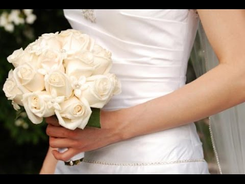Bridal bouquet white roses youtube bridal bouquet white roses mightylinksfo