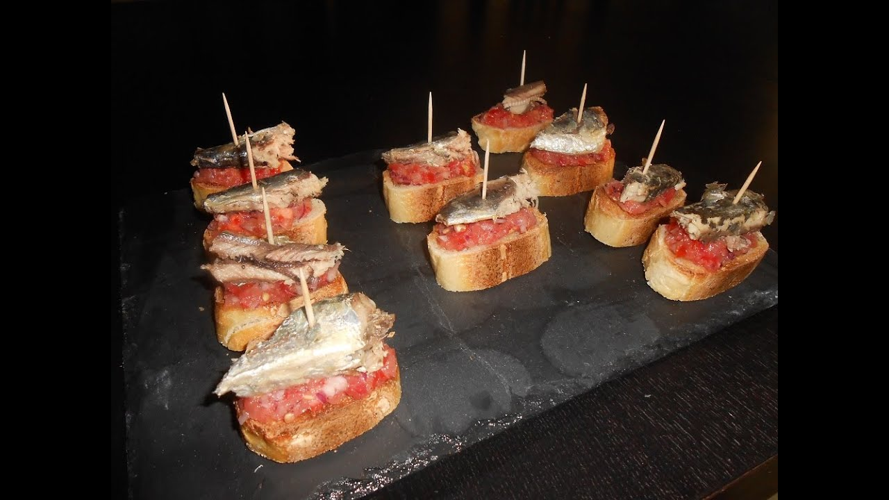 tapas les pintxos de sardines la boite a recettes youtube. Black Bedroom Furniture Sets. Home Design Ideas