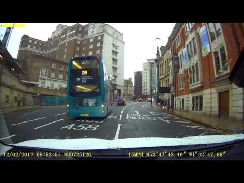 Arriva Bus YJ61 OAX runs red light