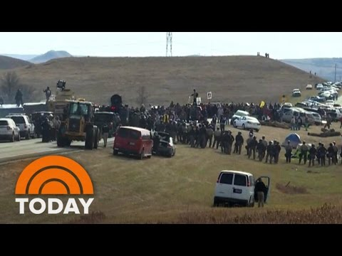 North Dakota Pipeline Standoff: Police Clash With Native American Protesters | TODAY