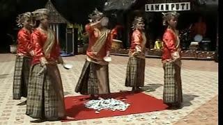 Tari Pecah Piring - Bukittinggi Sumatera Barat Minangkabau