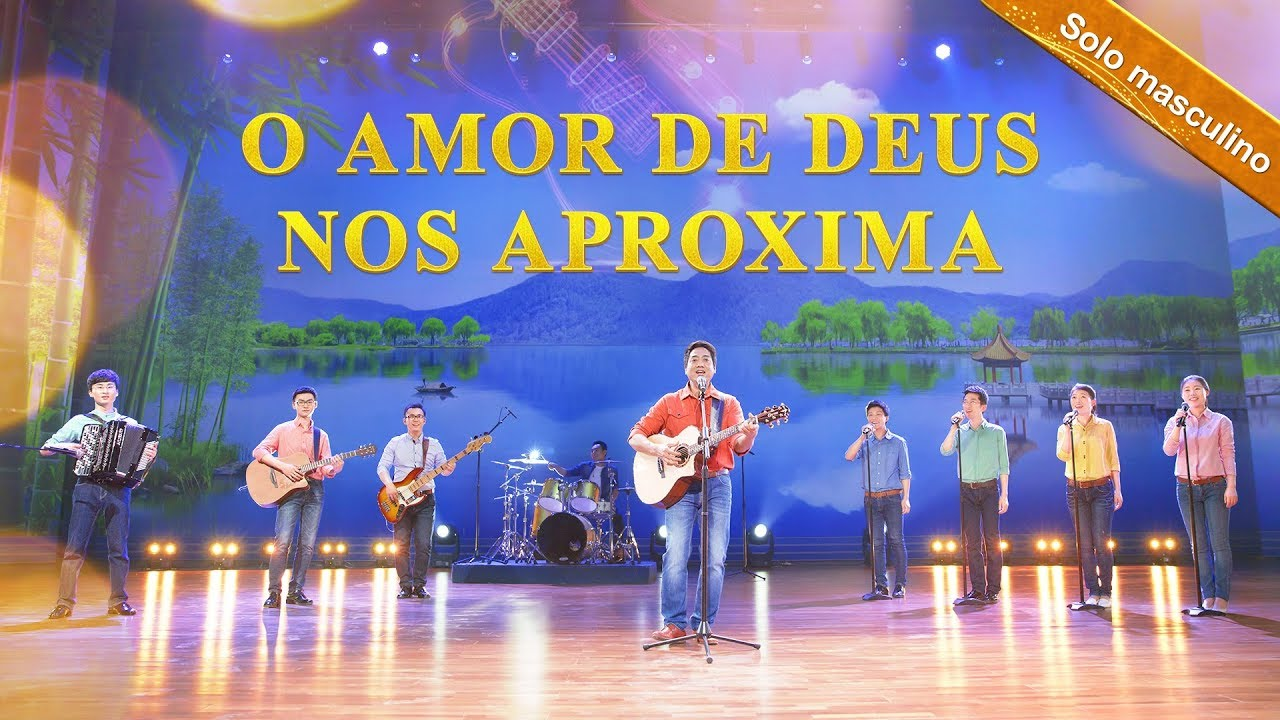 """Solo masculino """"O amor de Deus nos aproxima"""" Melhor música gospel (Legenda em português)"""