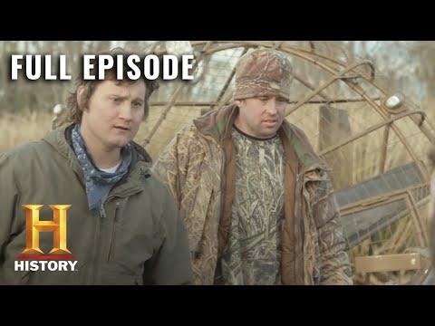 The Return of Shelby the Swamp Man: Full Episode - Treasure Huntin' (S1, E4) | HISTORY