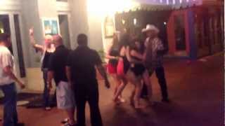 White Girls fighting Mexican Girls at Red Goose Fort Worth Texas Gangnam Style Justin Beiber Bieber