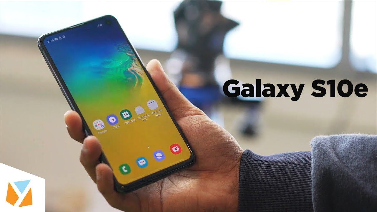 Samsung Galaxy S10e Hands-on Review: E for Exciting? - YouTube