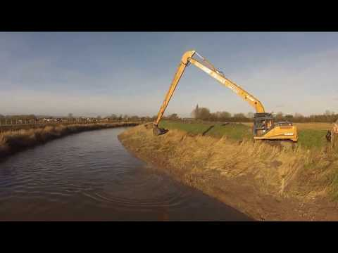 Maintenance Dredging on the River Parrett - WM Plant Hire