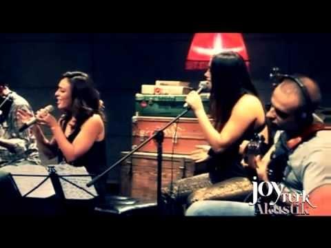Ziynet Sali - Herkes Evine (JoyTurk Akustik)