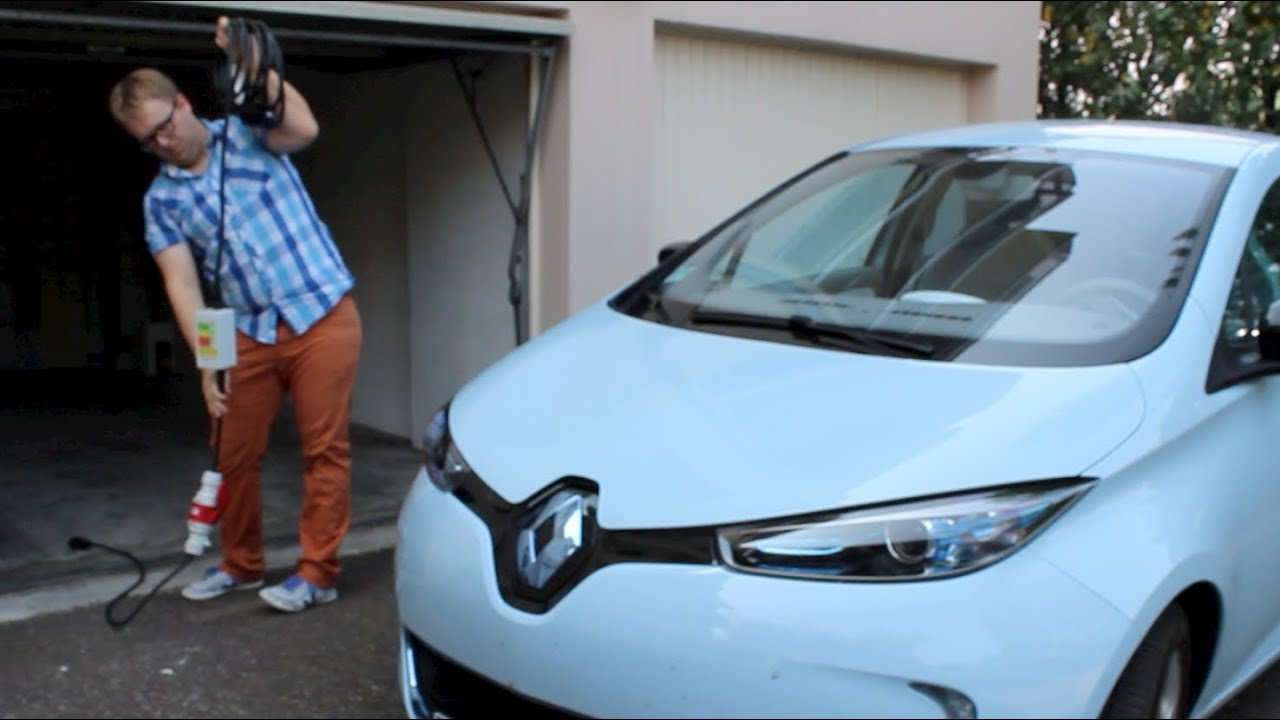 c ble de recharge renault zoe youtube. Black Bedroom Furniture Sets. Home Design Ideas