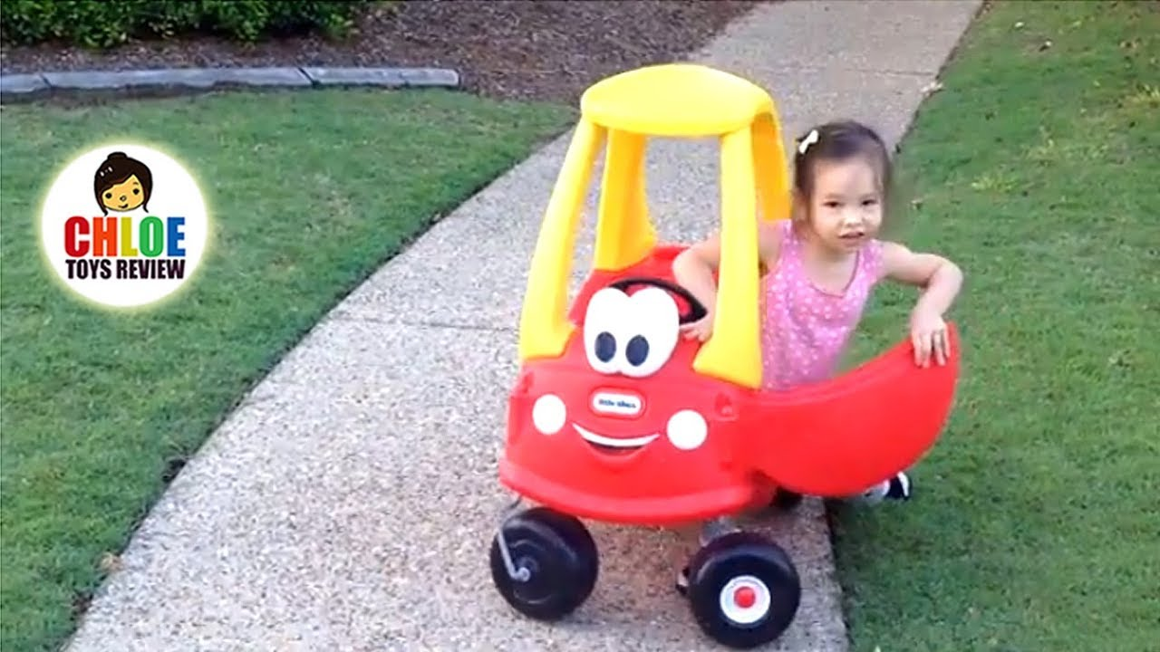 TODDLERS AND CAR Family fun video for kids LITTLE TIKES COZY COUPE ...