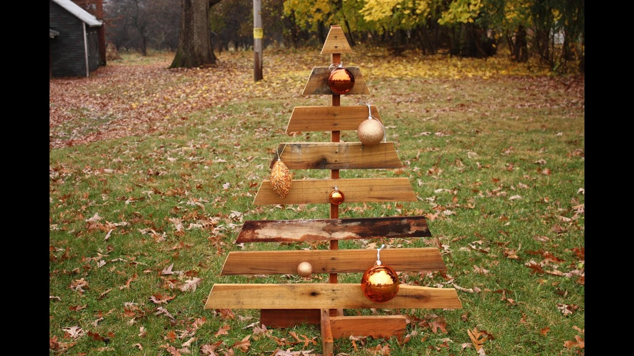 how to make a pallet christmas tree - Wood Pallet Christmas Tree