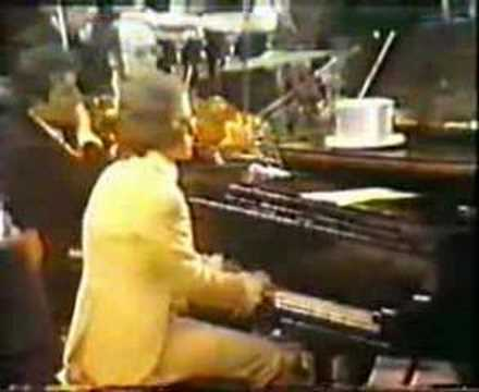 Elton John - Border Song - 1972
