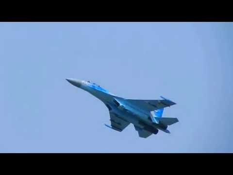 BIAS 2016 | Sukhoi SU-27 manoeuvrability +  FREE FALL + LOW SPEED + LANDING Aerobatic show