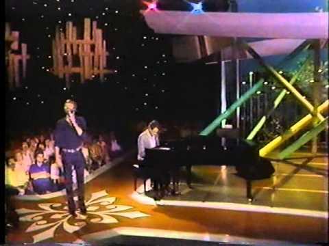 Glen Campbell & Jimmy Webb   MACARTHUR PARK