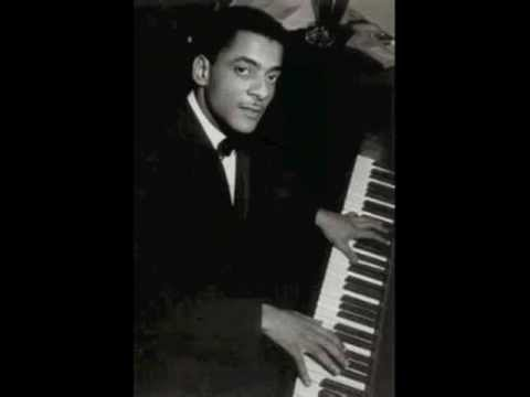 I Can't Get Started With You - Teddy Wilson (solo)