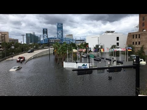 Jacksonville floods : Hurricane Irma surge in Florida, storm surge St. Johns River, floodings,