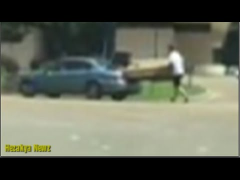 """WTF!? Mississippi Man Becomes """"HUMAN TRAILER"""" To Carry USED Sofa Home!!"""