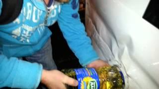 Масло вместо дизеля(Закончился дизель пришлось лить подсолничное масло., 2012-10-17T18:32:11.000Z)