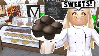 I MADE MY OWN BAKERY WITH ALL NEW FOOD ON BLOXBURG! (Roblox)