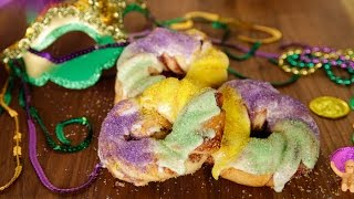The Easiest Mardi Gras King Cake Recipe You'll Ever Make