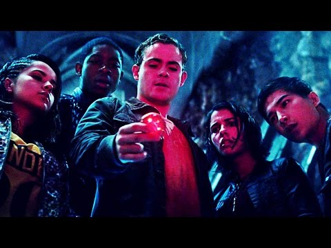 The Power Rangers Discover a Spaceship in 'Power Rangers' (2017)