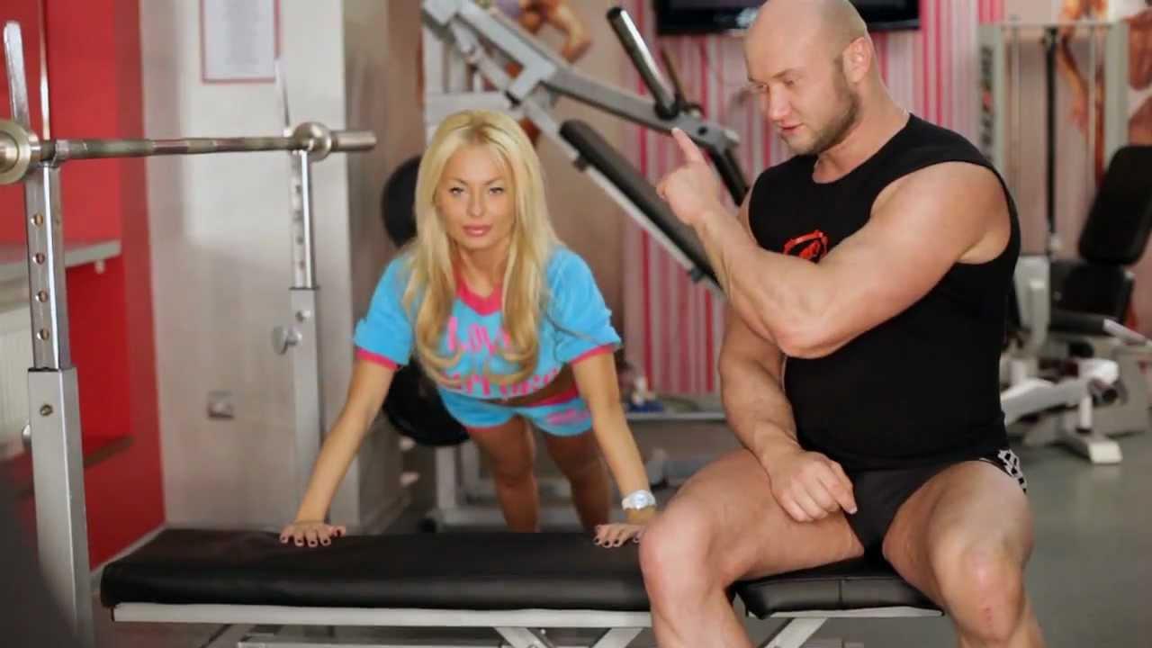 Упражнения на грудь с гантелями маленькими