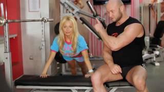Как накачать грудь - Отжимания от скамьи. Упражнения для увеличения груди.