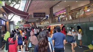 圣诞前的购物潮 乌节路餐厅预约爆满业者配合当局防疫 - YouTube