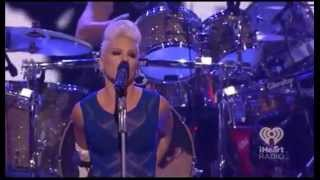 Baixar P!nk - Try (Live iHeartRadio Festival 2012)