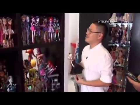 Người đàn ông sưu tập 6,000 búp bê Barbie
