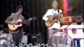 Chet Atkins - I Can't Help It If I'm Still In Love With You