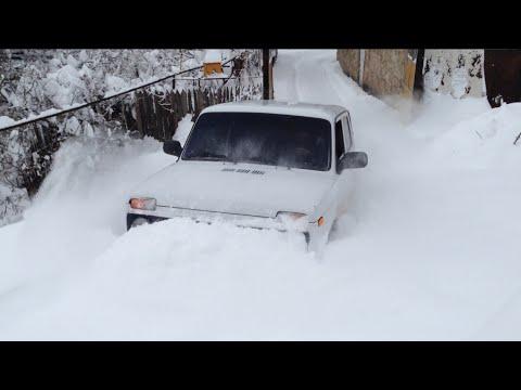 LADA NIVA  IN DEEP SNOW IN KAPAN ARMENIA(BAGHABURJ)