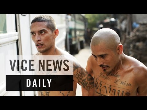 VICE News Daily: El Salvador Merges Rival Gangs in Prison