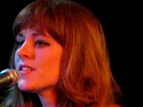 Hannah Peel cover of New Order, Blue Monday, with Music Box /01