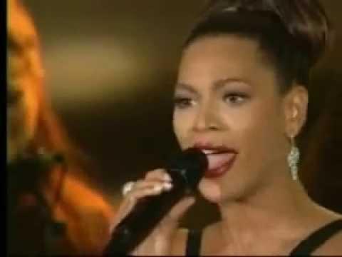 Beyoncé - Listen (Live On Oprah)