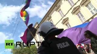 Poland: Gay pride starts with a kiss and ends with violence