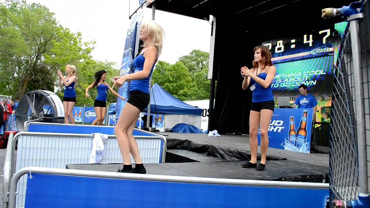 Bud Light Girls Dancing F1 Canada Montreal Gilles