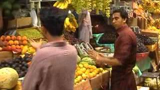 High rate of Fruit during ramzan Sukkur victoria Market (Imran Malik PTV Sukkur)